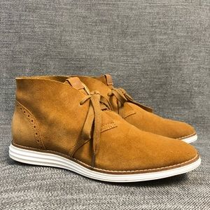 COLE HAAn womens Size 9B chukka booties boots